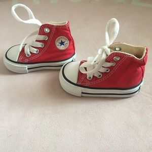 Converse baby all stars size 2